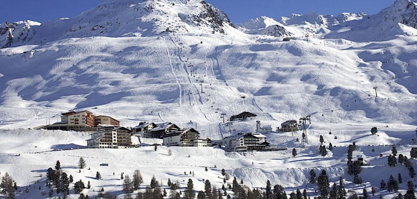Austria_Seefeld_Resort-view.jpg